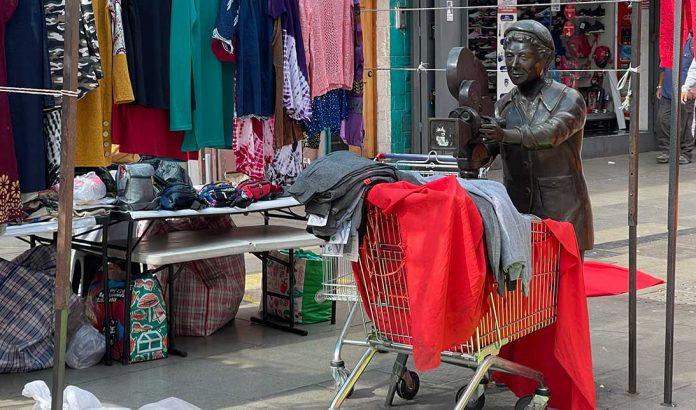 Ambulantes en el centro de Antofagasta   Foto: Timeline.cl